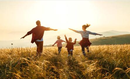 Як стати еталонними батьками для своєї дитини?. Кияночка школа сад.