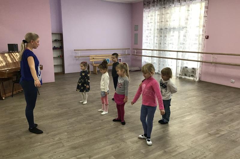 Вечірні гуртки, вулиця Борщагівська 204-Г